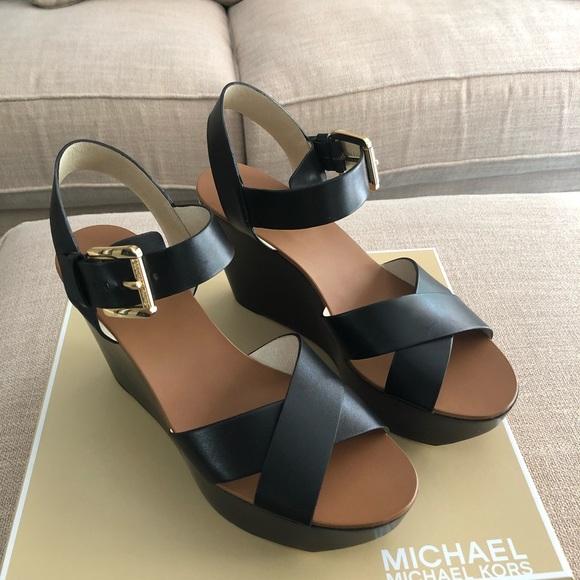 a19c7f6a905d NEW black Michael Kors Peggy Wedge size 9